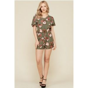 hearts and hips flutter sleeve romper